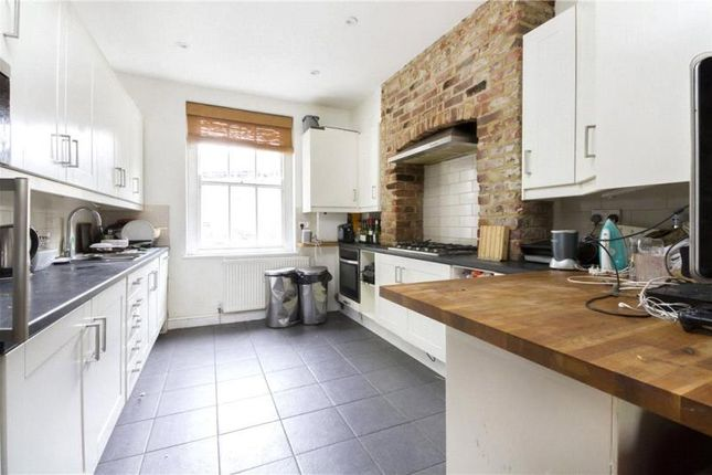 Thumbnail Terraced house to rent in Camberwell New Road, London