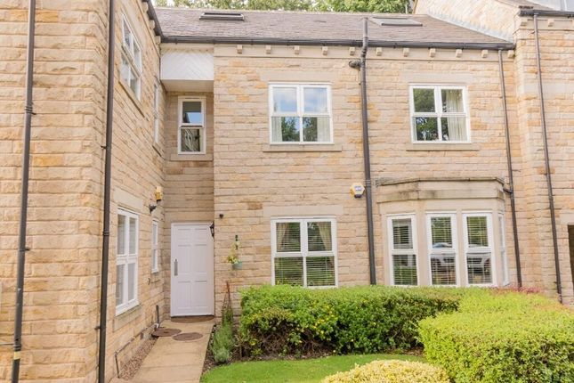 Thumbnail Flat for sale in Salters Gardens, Pudsey, Leeds