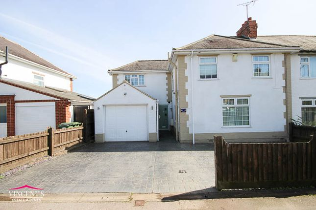 Thumbnail Town house for sale in Beechcroft Avenue, Leicester