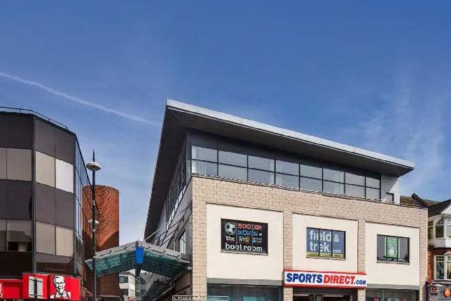 Leisure/hospitality to let in The Mall, High Street, Bromley