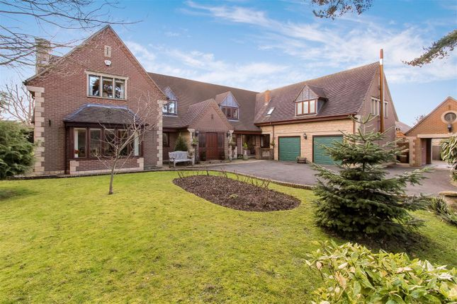 Thumbnail Detached house for sale in Perwell Close, Bredon, Gloucestershire