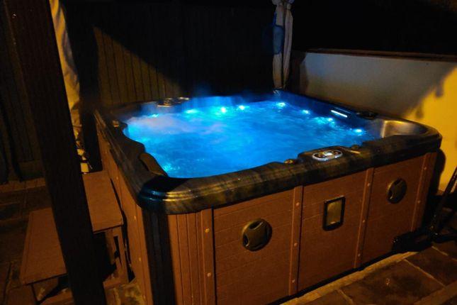 Hot Tub of Grove Lane, Knottingley WF11
