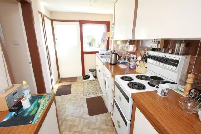 Kitchen of Lundin Crescent, Glenrothes, Fife KY7