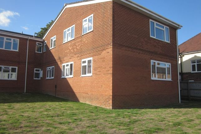 Thumbnail Flat to rent in Lyde Road, Yeovil