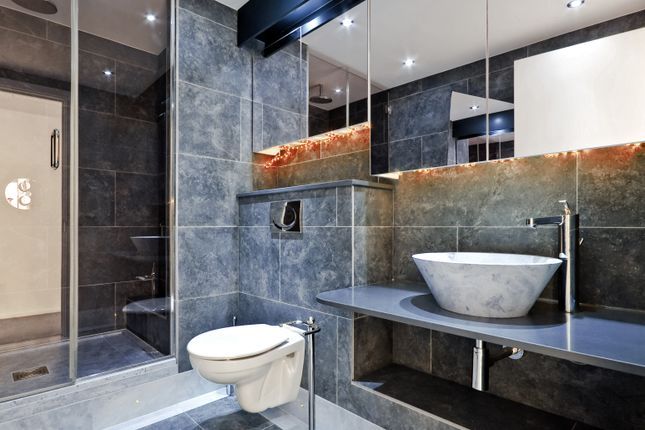 2 bed flat for sale in Luxury Apartments In Deansgate, Manchester M3