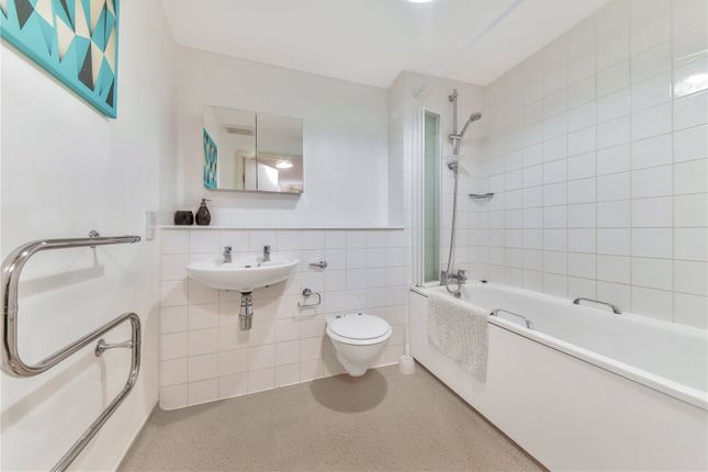 Bathroom of Salamanca Place, London SE1