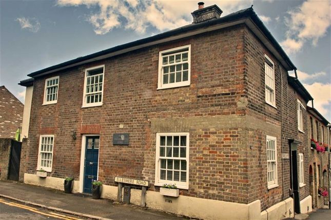 Thumbnail Property for sale in Gravel Path, Berkhamsted