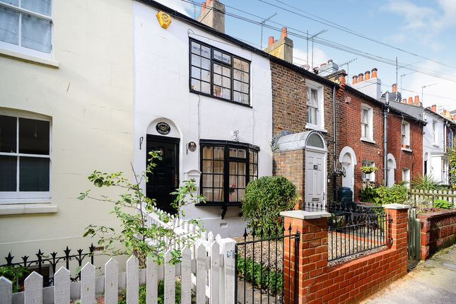 Thumbnail Terraced house to rent in Frederick Gardens, Brighton