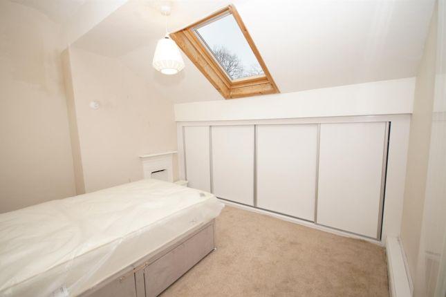 Room to rent in Room 5, Somerset Road, Heaton BL1