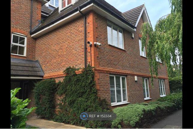 Flat in  Catherine Place  Harrow  Watford