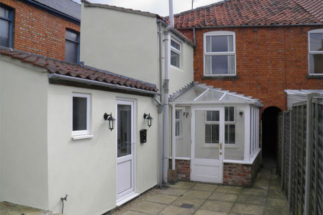 Thumbnail Terraced house to rent in Victoria Place, Bourne, Lincolnshire