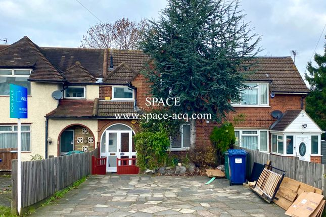 Thumbnail 3 bed terraced house for sale in Summers Lane, North Finchley, London