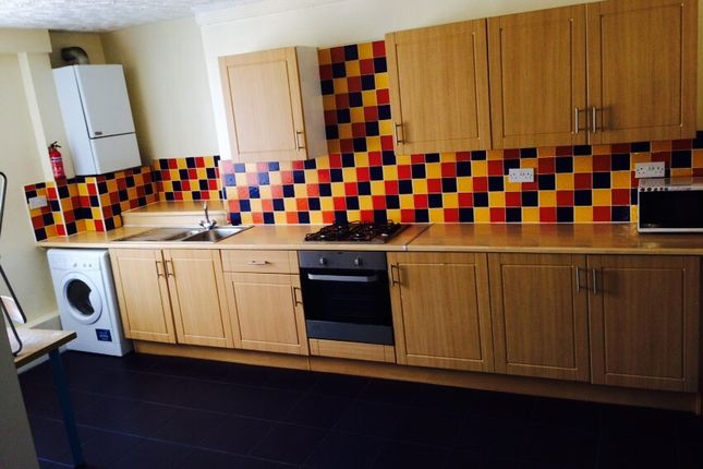 Thumbnail Flat to rent in Jesmond Road West, City Centre, Newcastle Upon Tyne