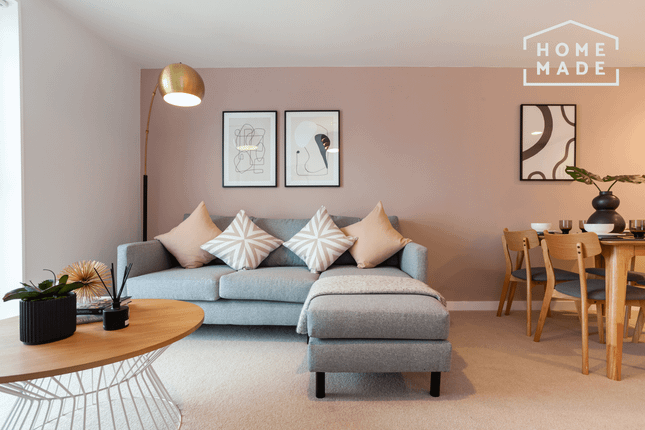 1 bed flat to rent in Chapel Wharf, Salford M3