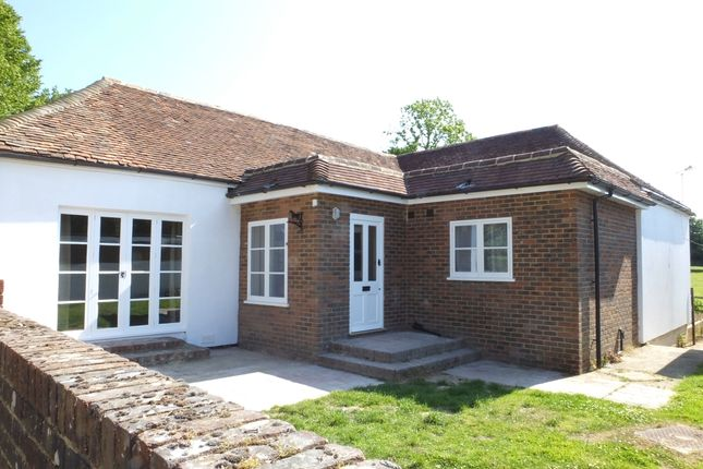 Thumbnail Detached bungalow to rent in Buckham Hill, Isfield