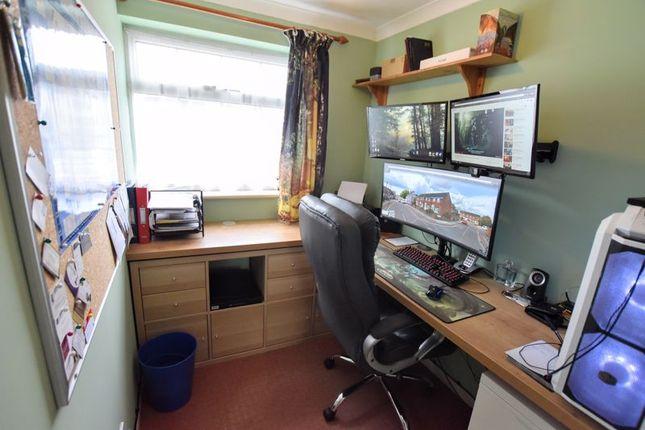 Study of Stuart Close, Bletchley, Milton Keynes MK2