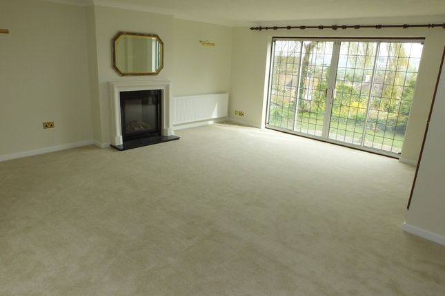 Thumbnail Detached house to rent in Houndean Close, Lewes