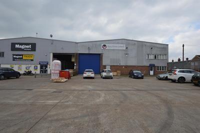 Thumbnail Light industrial to let in Unit 8, Thornton Road Industrial Estate, Croydon, Surrey