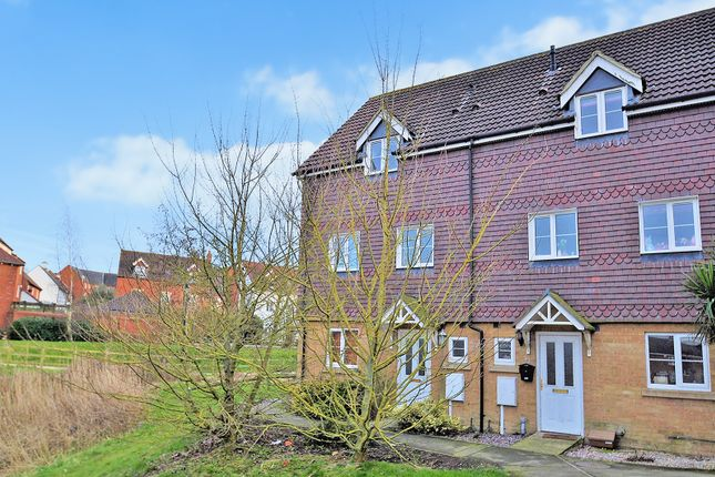 Thumbnail Town house to rent in Deyley Way, Ashford