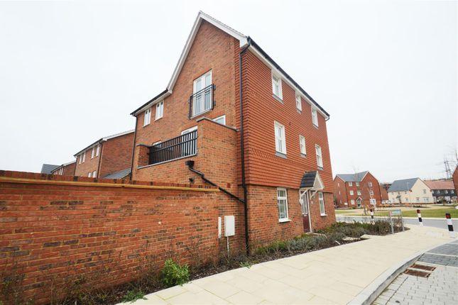 External of Mansion Rise, Ebbsfleet DA10