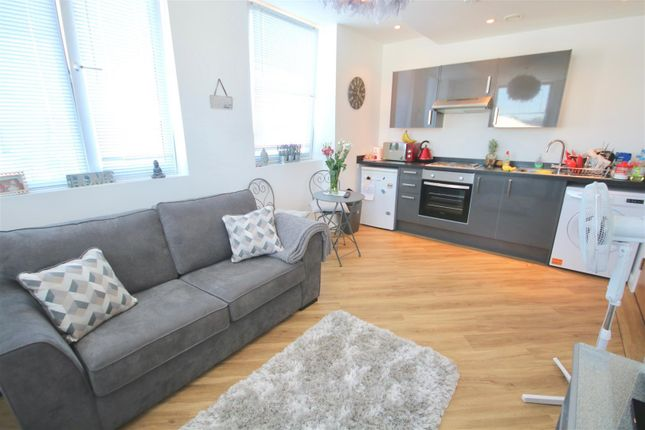 Thumbnail Flat to rent in Cornerstone House, London Road, North End