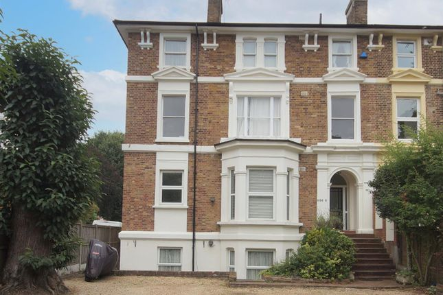 3 bed flat for sale in High Road, Buckhurst Hill IG9