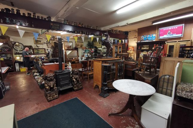 Thumbnail Retail premises for sale in Reputable Auctioneers Based In West Yorkshire HD5, Kirklees