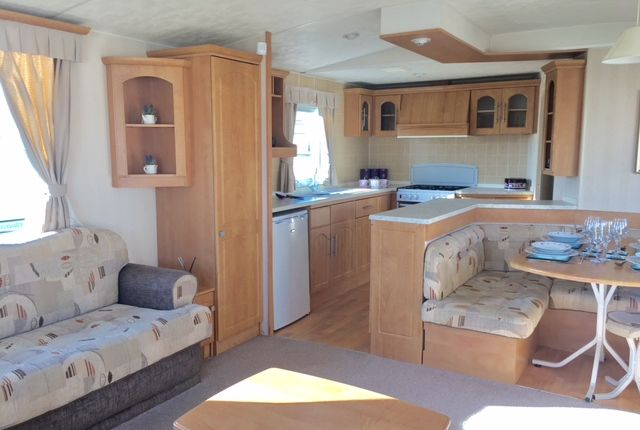 Thumbnail Mobile/park home for sale in Rottenstone Lane, Scratby, Great Yarmouth