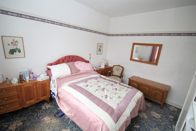 Bedroom 2 of The Meadway, Dore S17