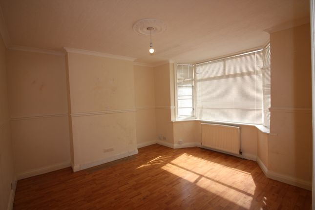 3 bed semi-detached house to rent in Belvue Road, Northolt