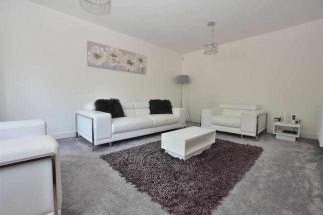 Lounge of Kingfisher Close, Mickleover, Derby DE3