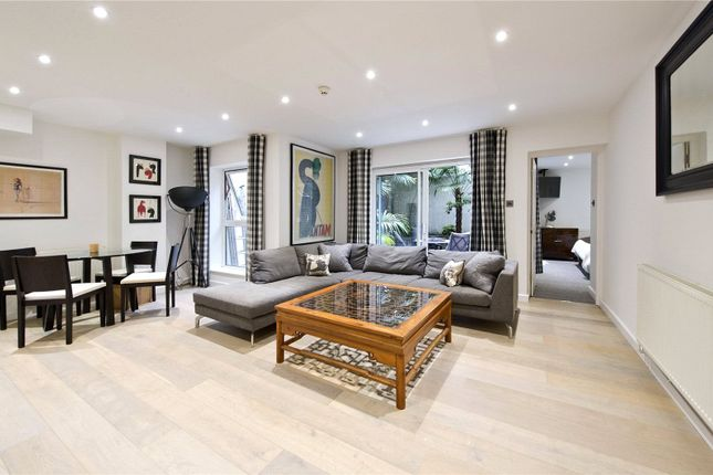 Reception of St Georges Square, Pimlico, London SW1V