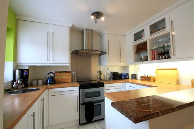 Thumbnail Property to rent in Halliard Court, Barquentine Place, Cardiff