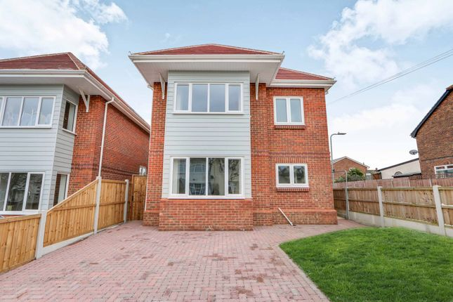 Thumbnail Detached house for sale in Leighview Drive, Leigh-On-Sea