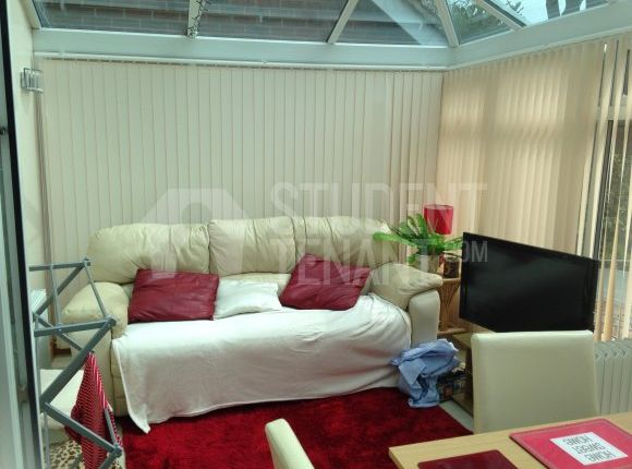 Thumbnail Shared accommodation to rent in Skylark Court, Southsea