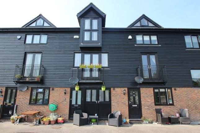 Thumbnail Property to rent in The Malt House, East Farleigh, Kent