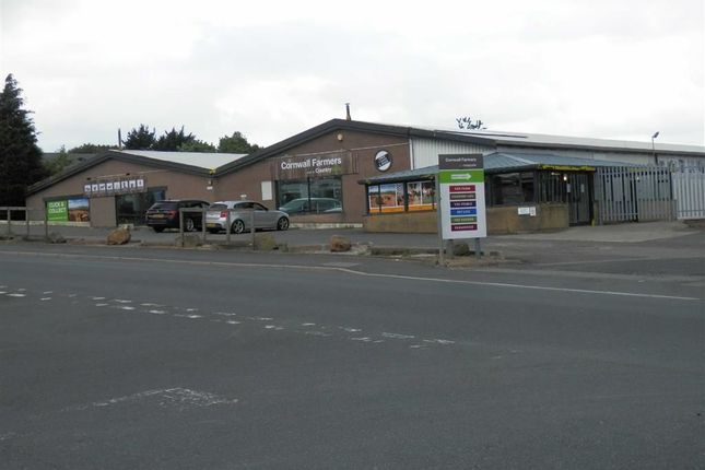 Thumbnail Retail premises to let in Former Cornwall Farmers, 2, Pennygillam Way, Launceston, Cornwall