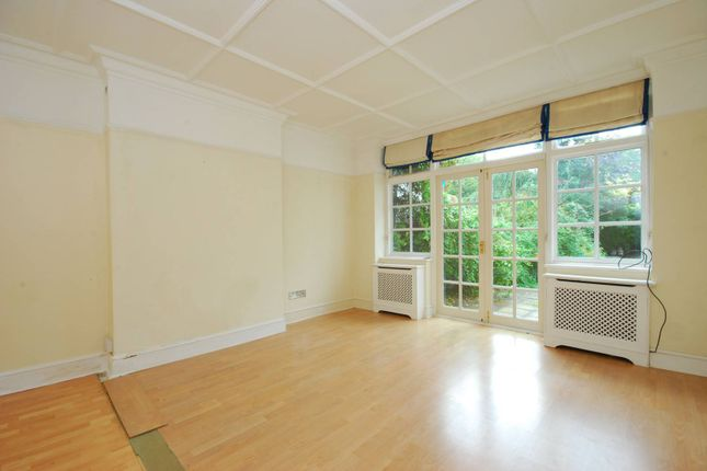 Thumbnail Flat to rent in Rotherwick Road, Hampstead Garden Suburb