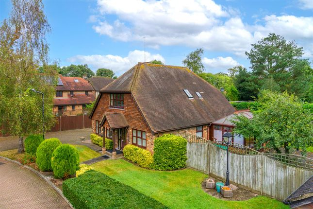 Thumbnail Detached house for sale in Church View Close, Horley