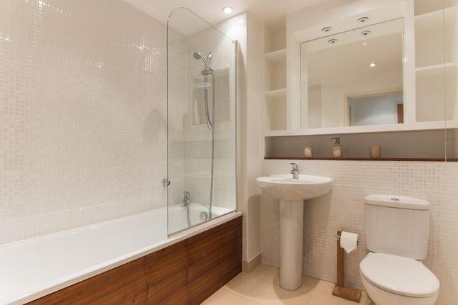 Bathroom of Uxbridge Road, London W13