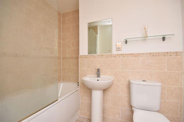 Bathroom of Kings Road, Swansea SA1