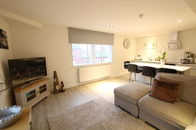 Thumbnail Flat to rent in Horninglow Street, Burton-On-Trent