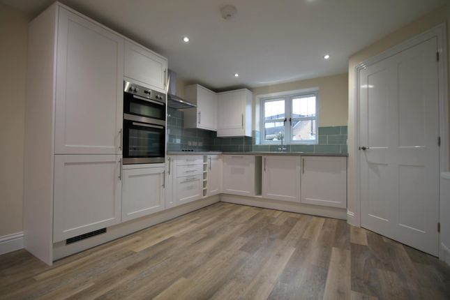 Thumbnail Property to rent in Lingfield Road, East Grinstead