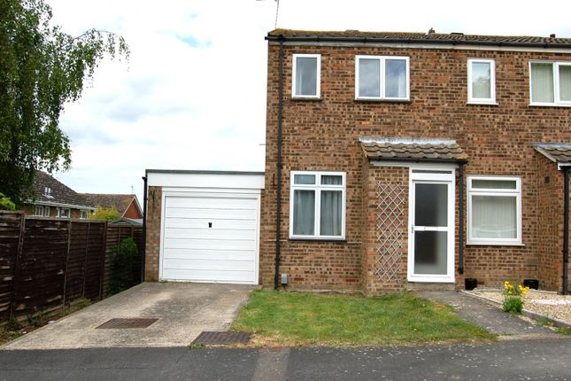 Thumbnail Property to rent in Waivers Way, Aylesbury