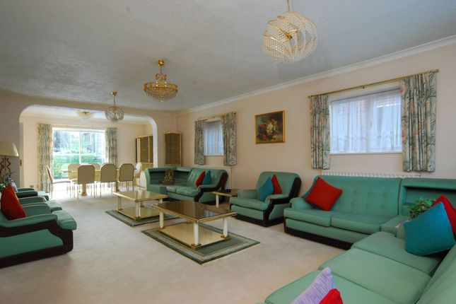 Thumbnail Detached house for sale in Mount Park Road, Ealing