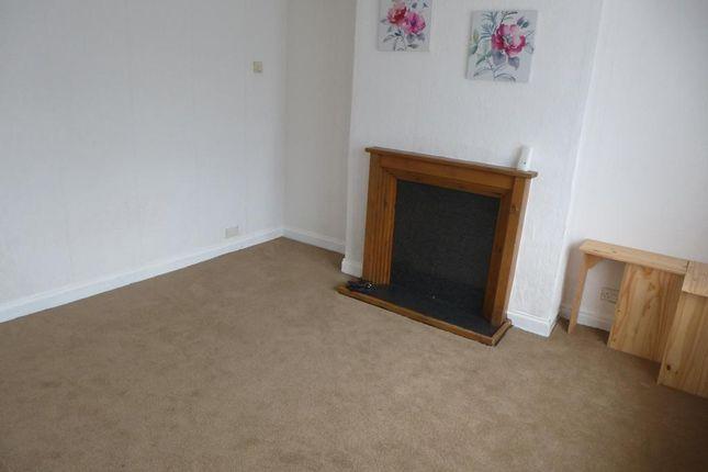 Living Room of Highgate Lane, Goldthorpe, Rotherham S63