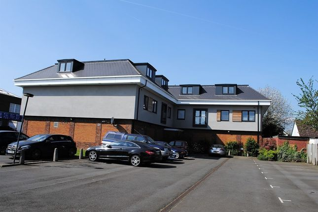 Thumbnail Flat to rent in Lyon Road, Walton-On-Thames