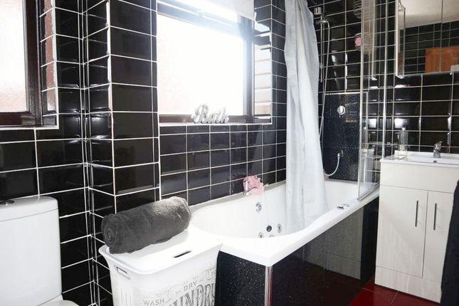Bathroom of Imogen Close, Fenpark, Stoke-On-Trent, Staffordshire ST43Qy ST4