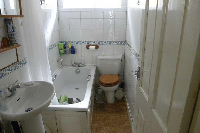 Bathroom of St. Johns Road, Slough SL2