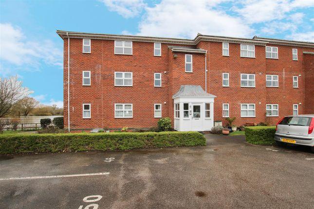 Thumbnail Flat to rent in Guillemot Way, Aylesbury